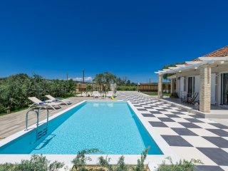 Villa Vigneto - private villa with pool & Jacuzzi.