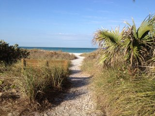 Summer Savings on Anna Maria Island Custom Home !!, Holmes Beach