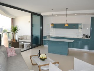 Luxury apartment - Design - Pkg included, Jaffa