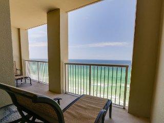 Gulf Front Balcony~w/Rooftop Pool & Hot Tub-BBQ-Gym~The Joy of Having It All!, Panama City Beach