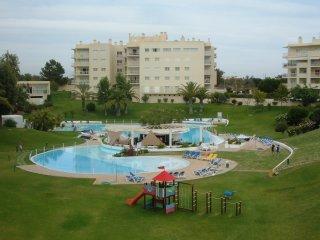 Pool and beach, Alvor