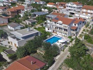 Villa Lana  Luftaufnahme