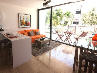 SPECIALLY FOR COUPLES! Close to the beach and 5th, Playa del Carmen