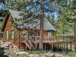 Wooded Cabin in Truckee with Tahoe Donner Access and World-Class Skiing