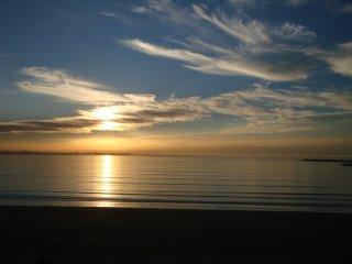 Fantástico ático con vistas frontales al mar