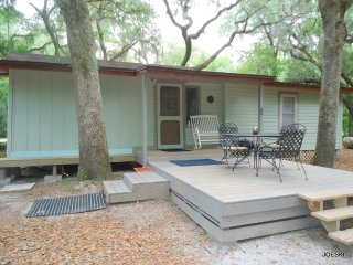Carr Cottage BNB, Live Oak