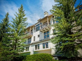 Premium Beaver Creek Townhome with On-Site Hot Tub, Easy Access to the Slopes