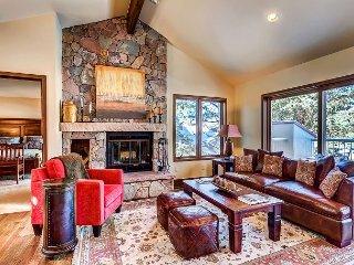Beautiful 4BR Arrowhead Village Residence With Sweeping Golf Course Views, Edwards