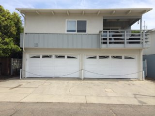 Spacious Upstairs Beach Duplex, Ventura