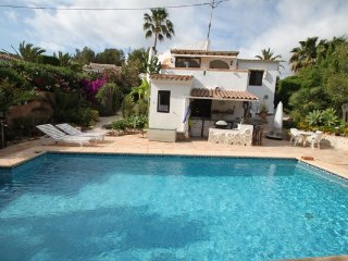 The White - comfortable holiday accommodation in Benissa