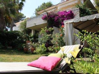Seafront Villa - Paradise Garden, Coma Ruga