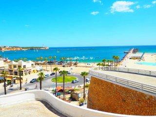 Villa 3 Castelos, walking distance to Beach