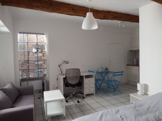 Charming renovated studio 1 Avignon Intra-Muros