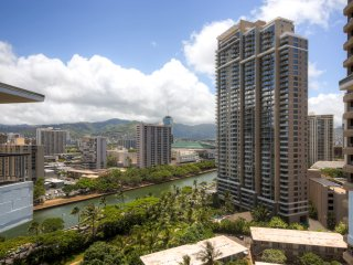 Best Location in Waikiki! 3BR Ocean View Honolulu Condo Walking Distance from the Beach