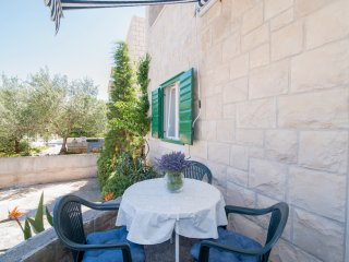 Apartments Vesna - One Bedroom Apartment with Garden and Terrace