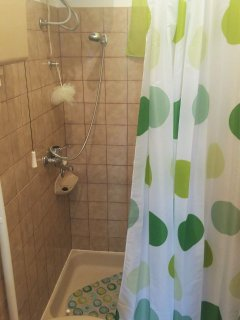 A1(3+1): bathroom with toilet