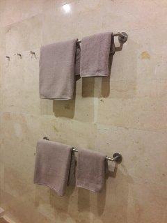 luxury towels & x2 towel rails + 3 hooks