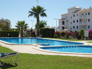 2 Bed 2 Bath Luxury Home, Beaches, Golf, Food, Fun in Villamartin, Villamartín