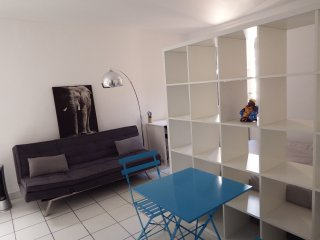 Charming renovated studio 2 Avignon Intra-Muros