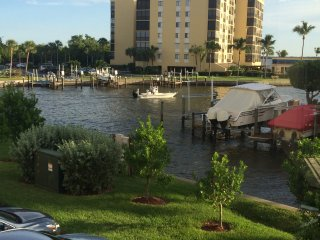 Condo, Estero Bay & Walk to Beach (Gulf)