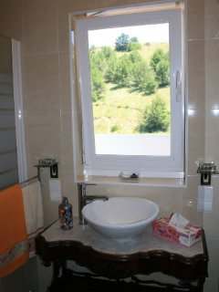 BathRoom with Wonderfull View