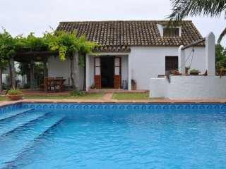 Cortijo del Huerto.Traditional Spanish house with private pool near the beach.