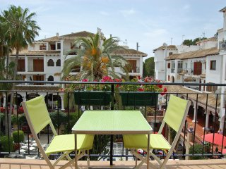 2 Bed Apt Villamartin Plaza, Golf, Food, Entertainment & Beaches