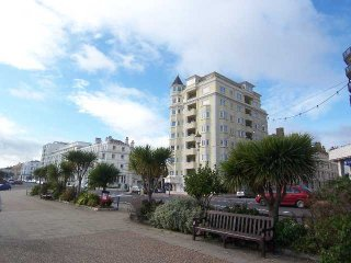 Beachview luxury seafront apartment
