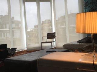 Great downtown apartment walking distance to beaches, San Sebastián - Donostia