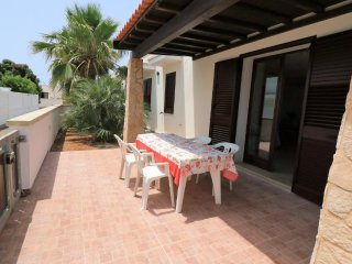 Holiday house for rent in Mancaversa with large outdoor spaces just a few meters