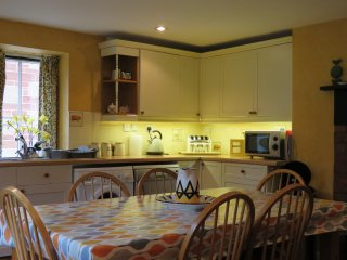 Saddlery cottage dining kitchen for six people.