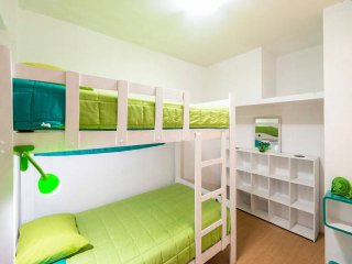 BED 3 min from Airport en Litera compartida