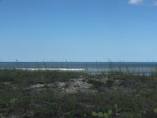 Comfy 1 Bedroom/1 Bath Oceanfront Condo, Jacksonville Beach