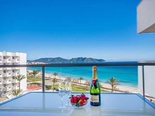 Maravillosos Apartamento frente al mar con wifi, Cala Millor