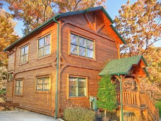 Gatlinburg Rising!  Luxurious 2 Bed/2 Bath cabin centrally located.