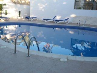 Bungaló unifamiliar en Costa Calma, con piscina.