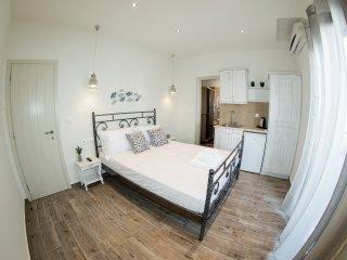 Naxos Petite Studios | Double/Triple Bed Studio, Agios Prokopios