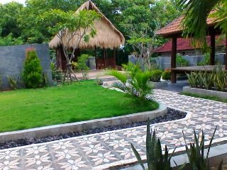 Private cottage with tropical garden & ocean view, Klungkung