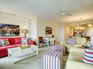 The Treasure Chest. Luxurious condo located right on the beach with breath-taking views!!, Virginia Beach