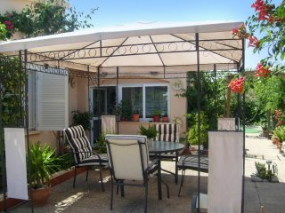 Spacious house with furnished terrace, Mal Pas