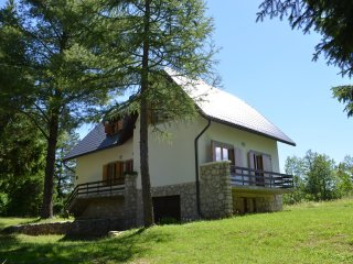 Anemona House -500 m away from the Large Waterfall, Plitvica