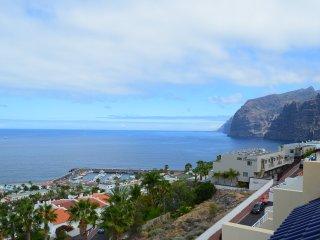 Penthouse duplex with jaw-dropping sea views, Acantilado de los Gigantes