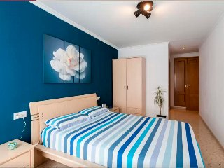 Big double room near Valencia + wifi, Silla