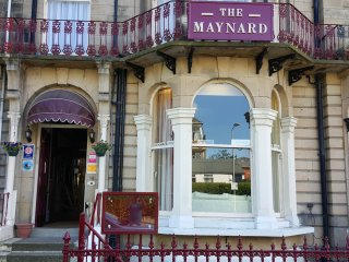 The Maynard Family Room 2 adults & 1 Child Sharing, Scarborough
