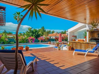 Large Covid-friendly exclusive Maspalomas villa for group or family holidays