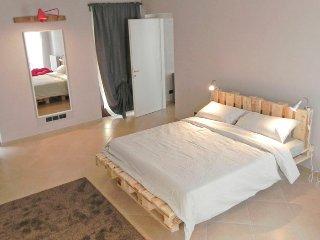 La casa di Milly, appartamento con terrazzo, Alba