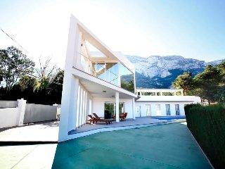 Denia Gorgeous Modern Villa with Pool