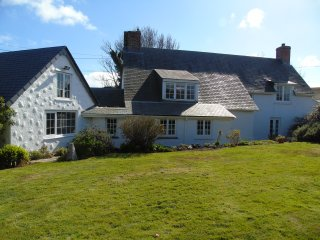 Traditional Cornish Cottage, Nr Helford River,