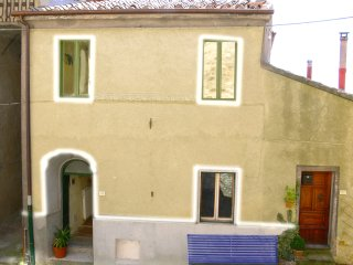 House for 6 in Roccatederighi  view & balcony