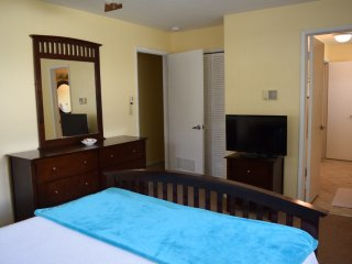 Cozy Vacation Villa Seconds From Ocean!#2, Pompano Beach
